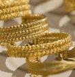 Altın fiyatları haftaya nasıl başladı? sorusu piyasalardan gelen ilk rakamlarla birlikte cevap buldu. Altın uzmanları, bugün ABD ve İngiltere piyasalarının kapalı olması dolayısıyla altının ons fiyatında sakin bir seyir beklendiğini, ABD Başkanı Trump