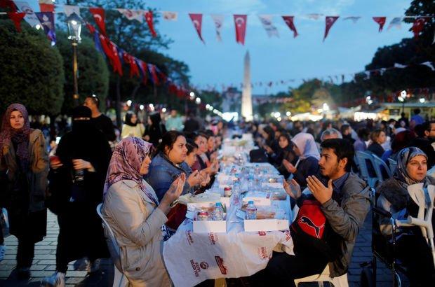 İstanbul Ankara İzmir iftar saat kaçta?