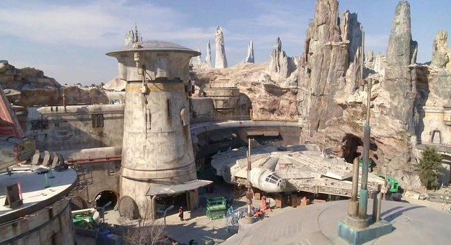Star Wars evreninden ilk fotoğraflar