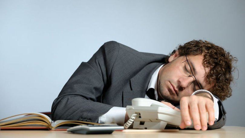 İş yerinde uyumak