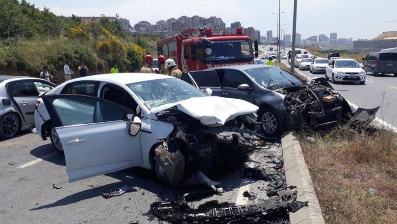 Başakşehir'de zincirleme kaza: 1'i ağır 3 yaralı