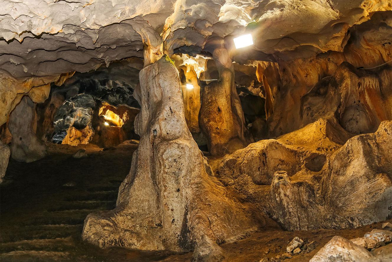 Karain Mağarası (Antalya)