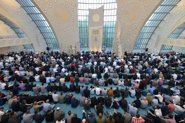 Tüm dünyada Ramazan Bayramı coşkusu