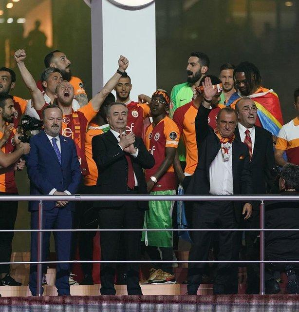 Bomba gelişme: 2 yıldız gidecek, 3 imza gelecek! Galatasaray'dan son dakika transfer haberleri