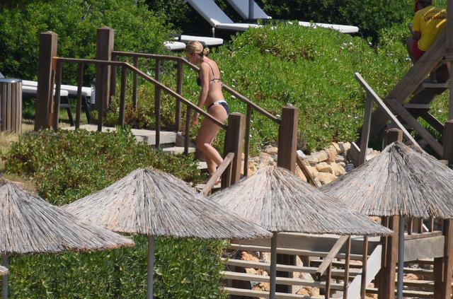 Gülşen oğluyla plaja indi - Magazin haberleri