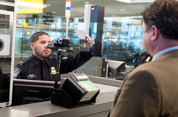 ABD'ye gidenlerin fotoğraflarını çaldılar!