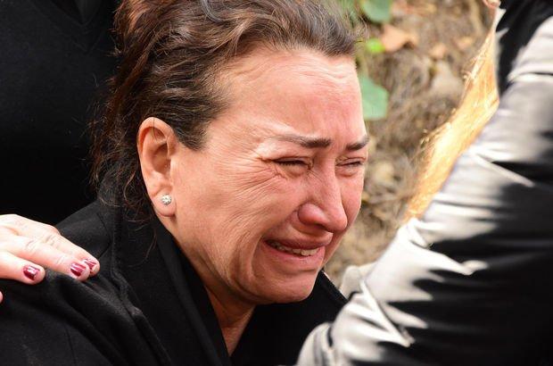 Demet Akbağ gözyaşlarına boğuldu