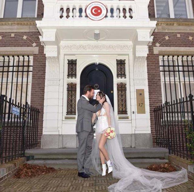 Sinan Akçıl ile Burcu Kıratlı boşanıyor mu? Açıklama geldi - Magazin haberleri
