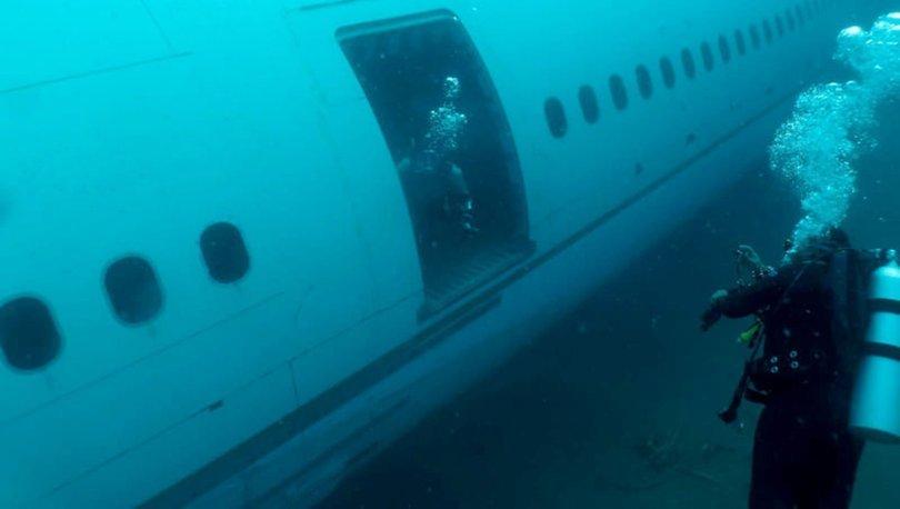 Denize batırılan yolcu uçağı