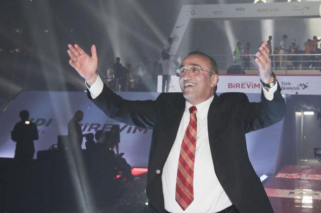 Son dakika Galatasaray transfer haberleri! Forvetin sırrını Albayrak verdi - 19 Haziran transfer gelişmeleri