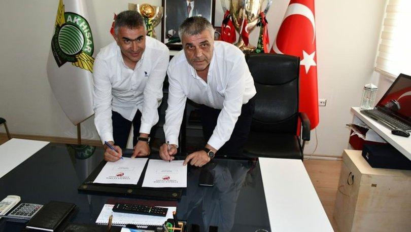 Akhisarspor, Mehmet Altıparmak ile sözleşme imzaladı