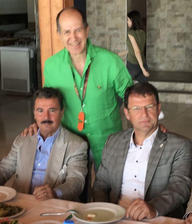 Samandağ Belediye Başkanı Refik Eryılmaz ve Mehmet Sözbilir'le birlikteyiz...