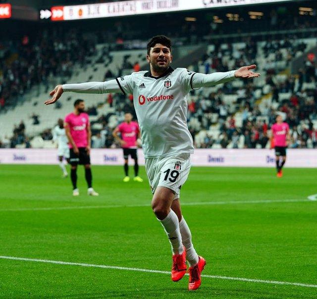 Beşiktaş'tan son dakika transfer - Genç yıldıza flaş teklif! İstanbul'a geliyorlar