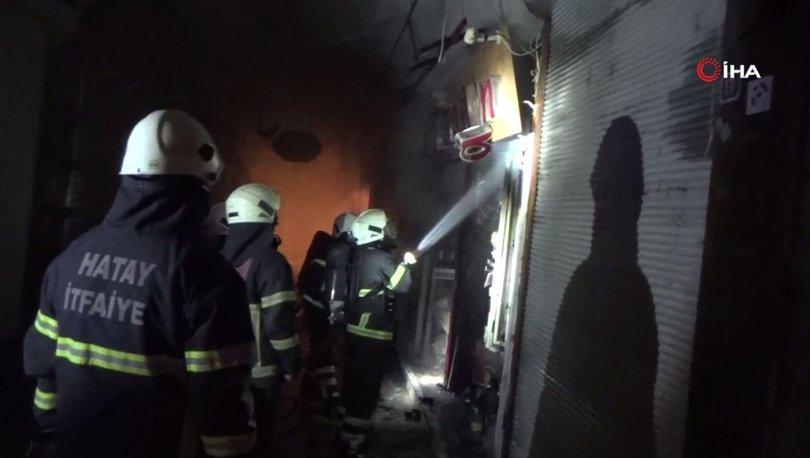 Hatay'da Tarihi Uzun Çarşı'da korkutan yangın