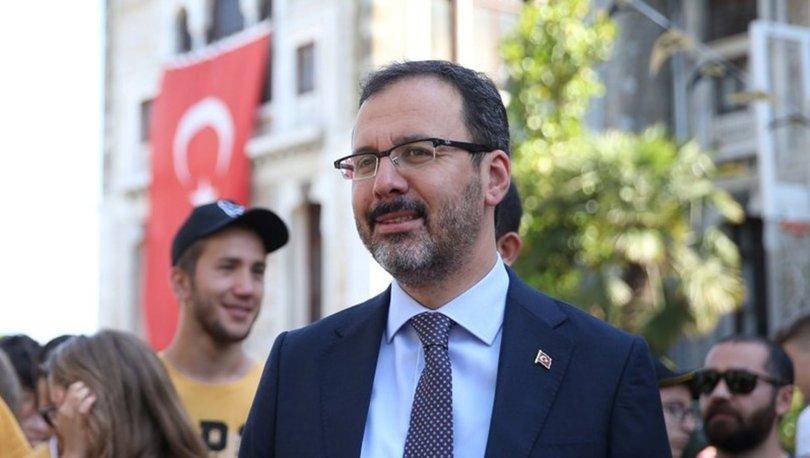 Bakan Kasapoğlu, A Milli Erkek Voleybol Takımı'nı kutladı