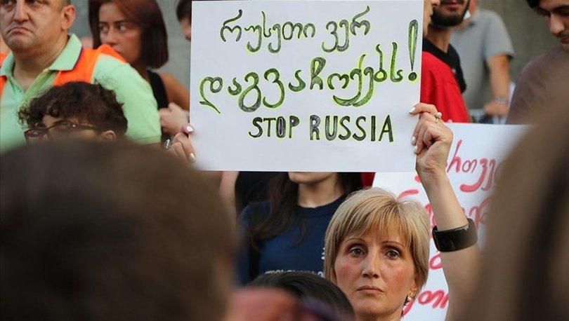 Tiflis'teki protestolarda üçüncü gün