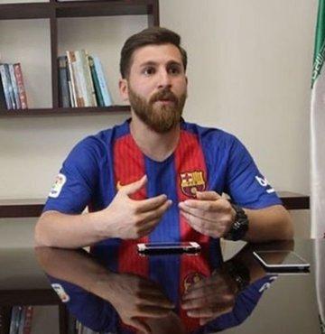 'Ben Messi'yim' diyerek kandırdı!