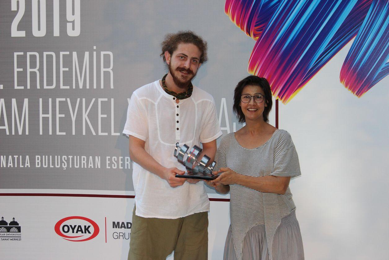 Birincilik ödülüne layık görülen Berke Uysal, 10 bin ₺ kazandı.