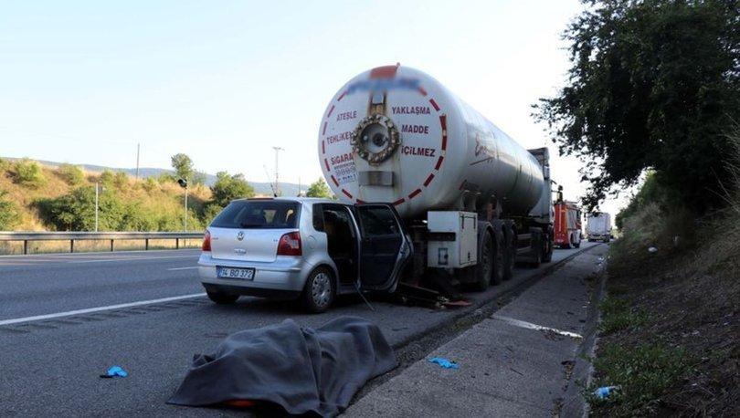 Düzce'de otomobil park halindeki LPG tankerine çarptı