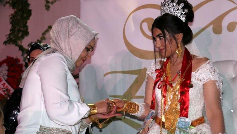 Geline kilolarca altın takıldı! Böyle olur aşiret düğünü!