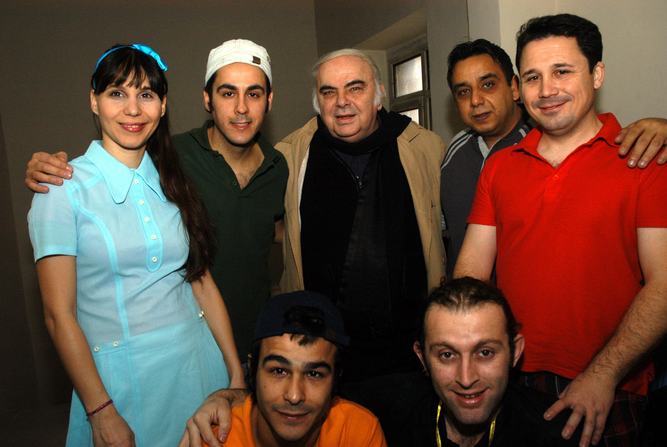 Enis Fosforoğlu, 2010'da dönemin Türkiye Futbol Federasyonu Başkanı Mahmut Özgener'in talebi doğrultusunda sahnelediği 'Futbol Sadece Bir Oyundur' ile ilköğretim çağındaki çocuklara taraftarlık bilincini aşılamaya çabaladı. Fosforoğlu, oyunda rol alan oyuncularla görülüyor.