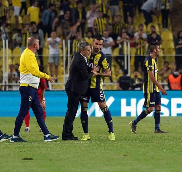 Son dakika Fenerbahçe transfer haberleri! Fenerbahçe orta sahaya 2-3 takviye yapılması gündemde