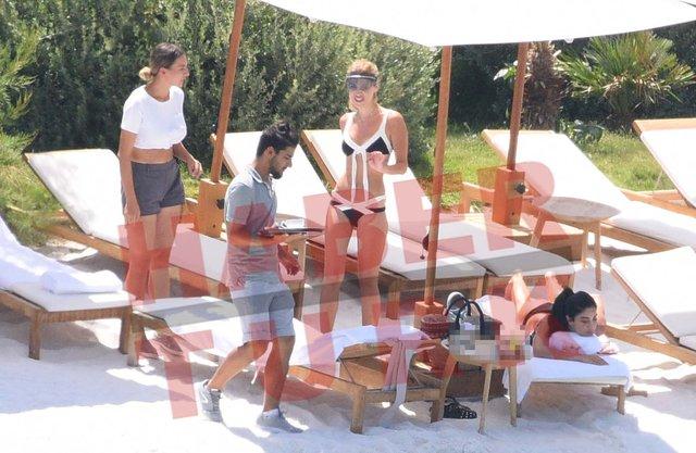 """""""Mustafa Sandal'ın eski aşkı Melis Sütşurup'a ayrılık yaradı"""" - Magazin haberleri"""