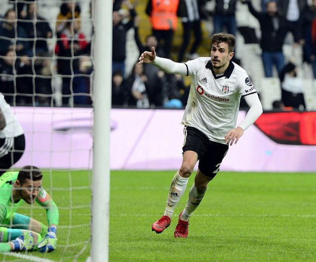 Beşiktaş'tan son dakika transfer haberleri! İşte yeni golcü...