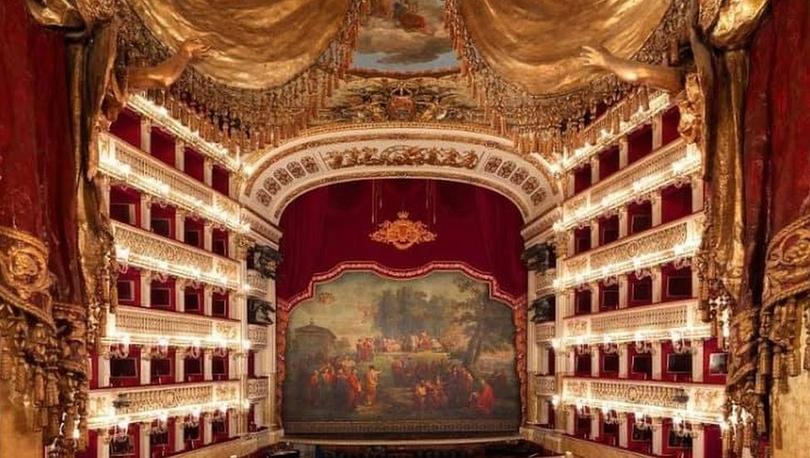 İtalya'da 'fiziksel kusurları olmayan adaylar' arayan dünyanın faal en eski opera evine tepki