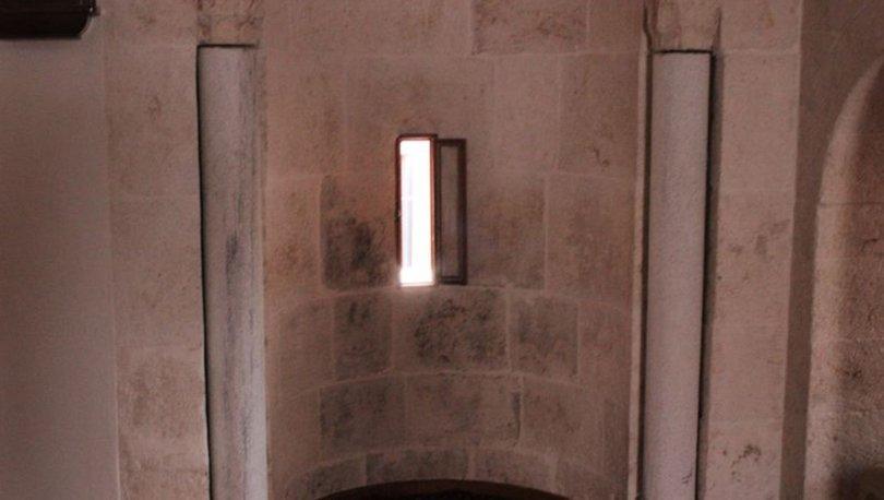 Mahremiye Camideki döner sütunlar