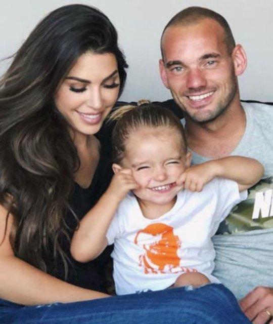 Wesley Sneijder, eşi Yolanthe Cabau'ya 15 milyon euro tazminat ödeyecek - Magazin haberleri