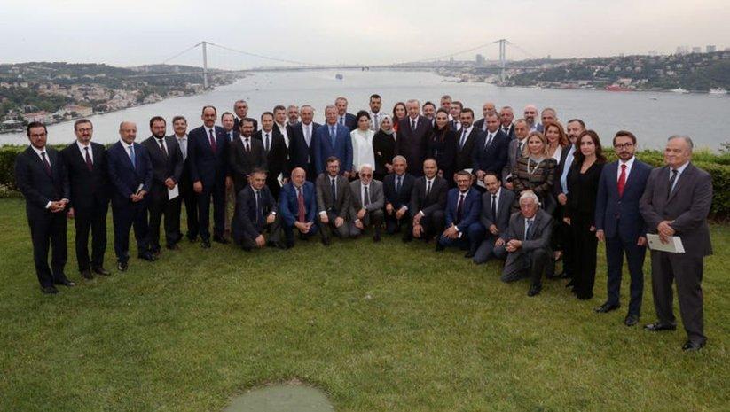 Cumhurbaşkanı Erdoğan gazetecilerle bir araya geldi