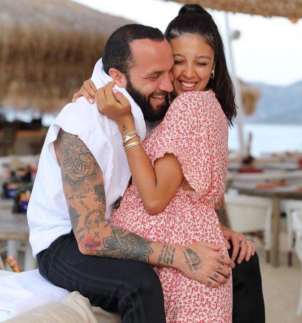 Berkay Şahin'in eşi Özlem Ada Şahin doğuma girdi - Magazin haberleri