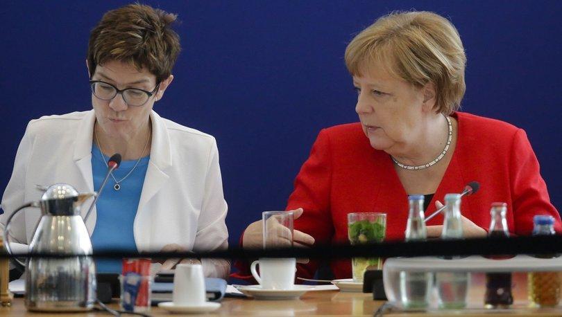 Almanya'nın yeni Savunma Bakanı tepkiyle karşılandı