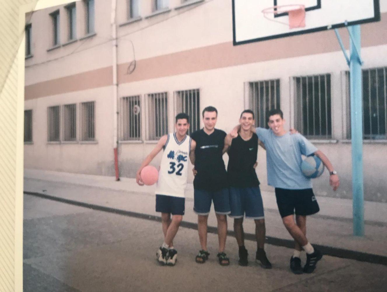 Doğu Demirkol'un hayatında basketbol, lise yıllarında olduğu gibi günümüzde de önemli bir yere sahip.