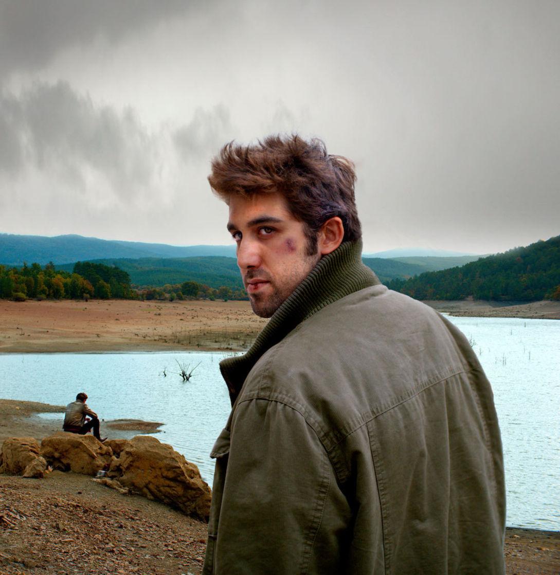 Doğu Demirkol, 'Ahlat Ağacı'ndaki 'Sinan' rolüyle SİYAD Ödülleri'nde 'En İyi Erkek Oyuncu' dalında ödül kazandı.