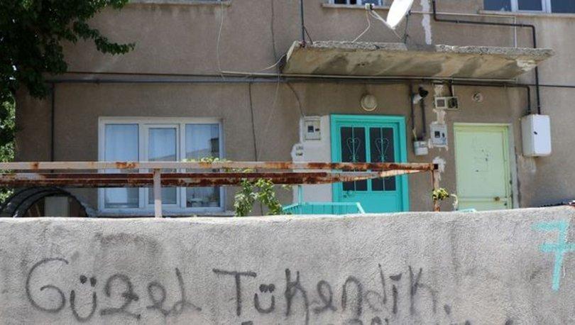 KAN DONDURDU! Erzincan'da vahşet; Uykudaki babasını boğazını keserek öldürdü - Son Dakika Haberler