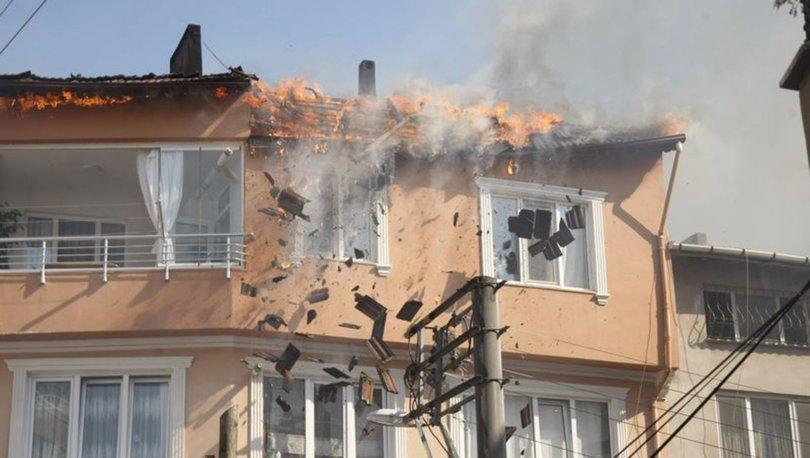 Bursa'da korkutan çatı yangını