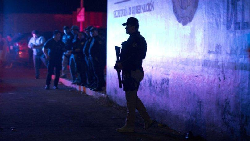 Meksika'da bir evin bahçesinde 21 kişinin cansız bedeni bulundu