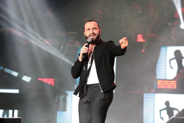 Berkay sahne şovuna 200 bin TL harcadı - Magazin haberleri