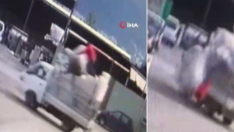Son dakika... 13 yaşındaki oğlu manevra yaptı! Kafa üstü çakıldı!