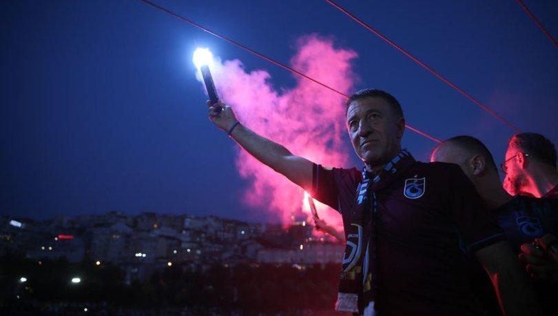 Trabzonspor'un 52. kuruluş yıl dönümü İstanbul'da meşalelerle kutlandı