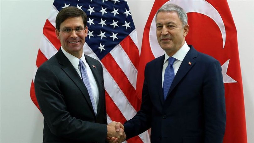 Son dakika... Bakan Akar,  ABD Savunma Bakanı Esper ile görüştü