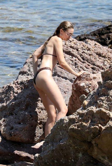 Bella Hadid ve Gigi Hadid Mikonos'ta - Magazin haberleri