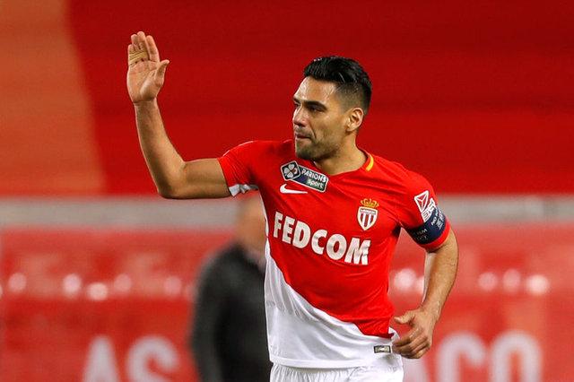 Son dakika Galatasaray Falcao haberi: Falcao transferi bitti! Geri sayıma geçildi! Emre Mor'da imza kaldı