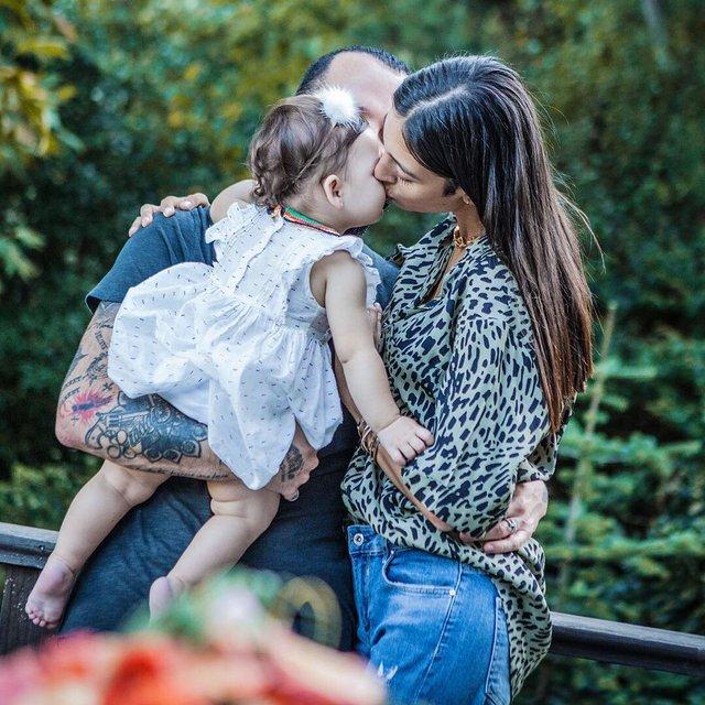 Berkay Şahin'in eşi Özlem Ada Şahin kızı Arya'nın yeni yaşını kutladı - Instagram Magazin haberleri