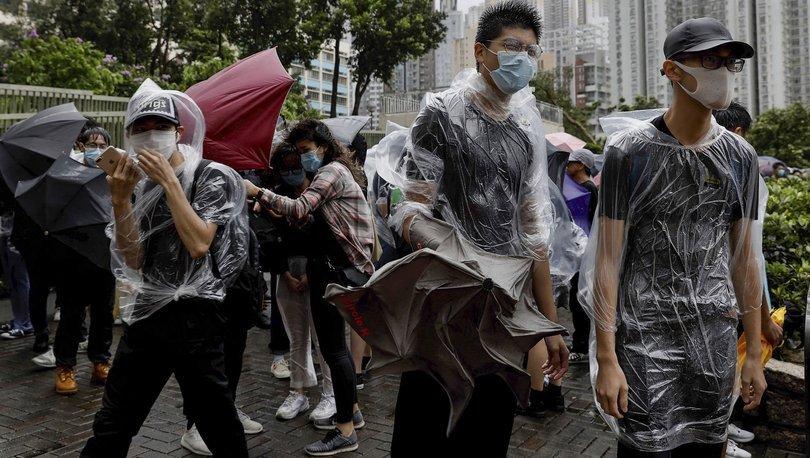Hong Kong'ta gözaltına alınanlara gece sokağa çıkma yasağı!