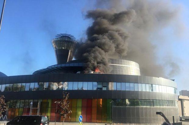 Üsküdar'da bilim merkezinde korkutan yangın