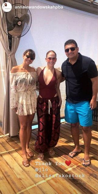 Jennifer Lopez, Antalya'dan ayrıldı! Ekmeğini böyle kesti - Magazin haberleri