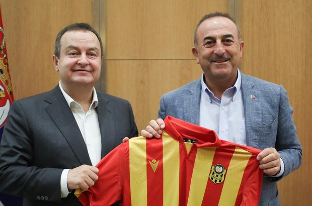 Çavuşoğlu'ndan Malatyaspor forması